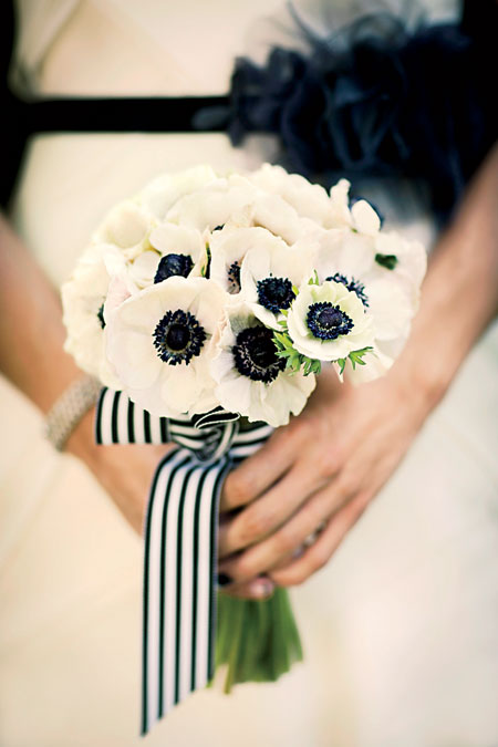 modern-parker-palm-springs-wedding-white-anemone-bridal-bouquet