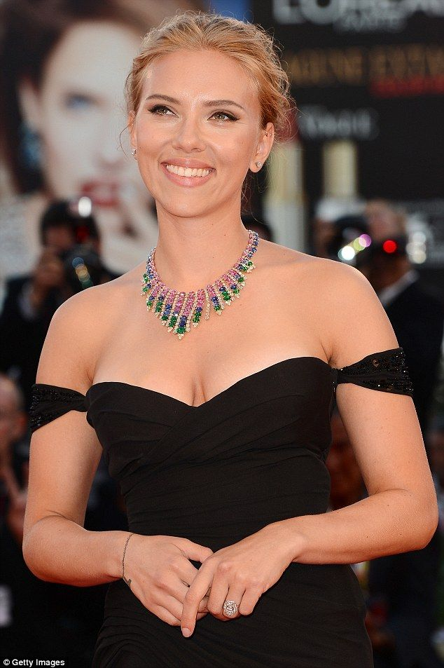 Scarlett Johansson's art deco engagement ring
